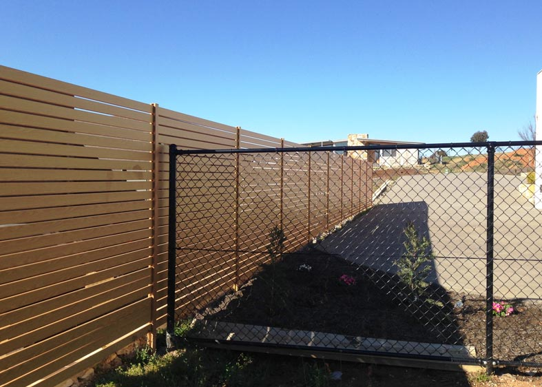 Horizontal Slat - Aluminium Fence Photo - Canberra